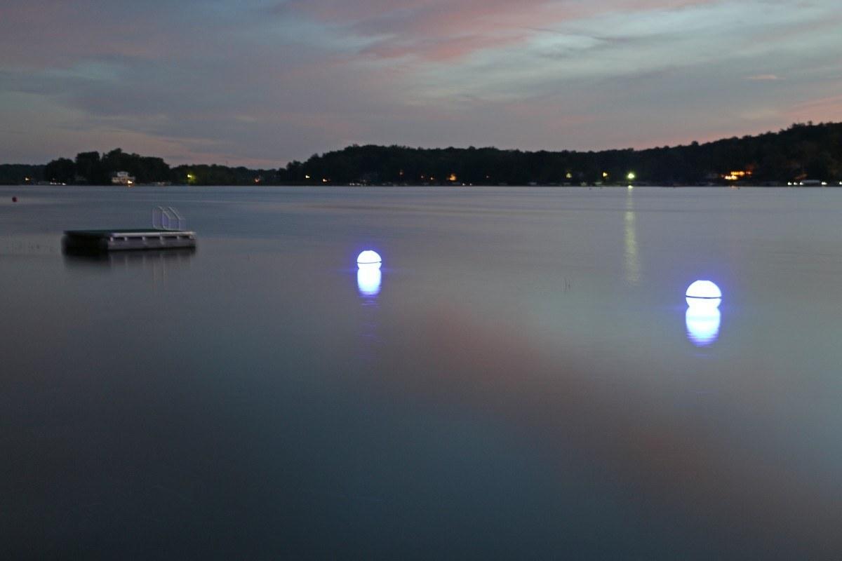 Solar Powered Marker Buoy View All Lake Lite Solar