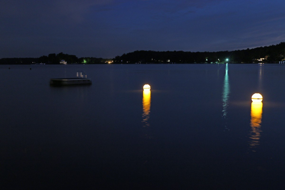 Solar Powered Marker Buoy View All Lake Lite Solar